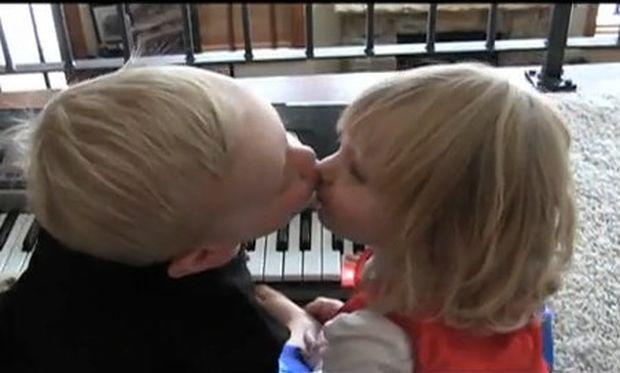 Βίντεο: Το καυτό φιλί του Χένρι και της Κέιτι!