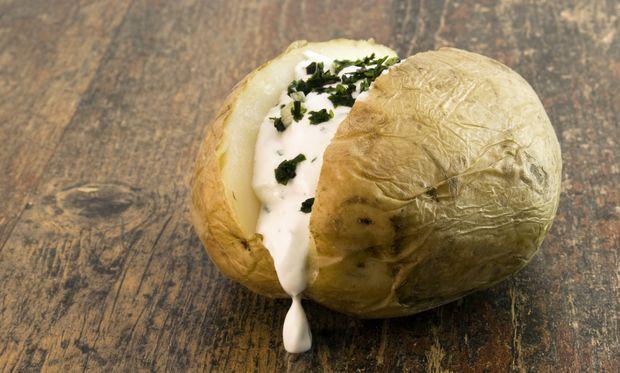 Ψητές πατάτες με σος τυριού!