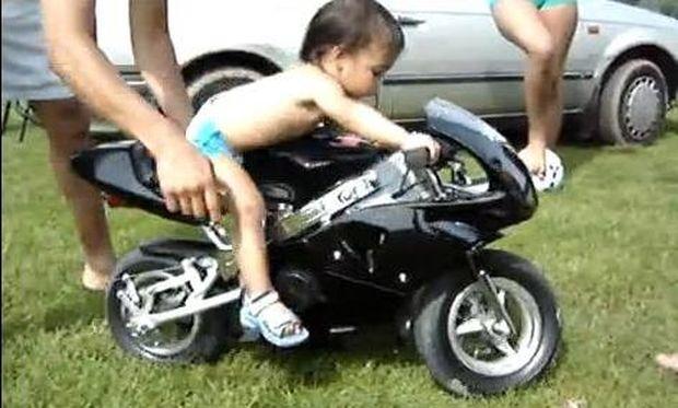 Ο μικρότερος easy rider που έχετε δει!