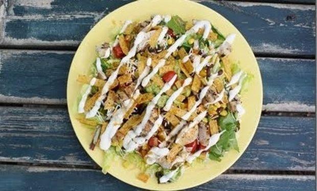 Μεξικάνικη σαλάτα με κοτόπουλο