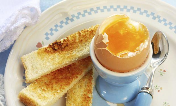 Εγκυμοσύνη: Γιατί δεν κάνει να τρώω αυγά μελάτα;