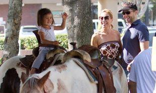 Jon Cryer: Καμαρώνοντας την κόρη του στο άλογο