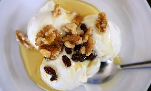 Παγωμένο γιαούρτι με μέλι για τα πιτσιρίκια σας!