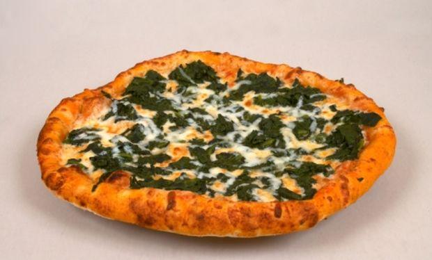Πίτσα με σπανάκι και ζαμπόν