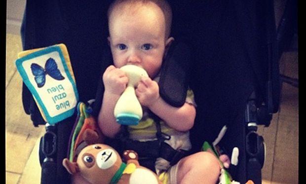 Ο γιος της Hilary Duff μεγάλωσε και βγάζει δοντάκια