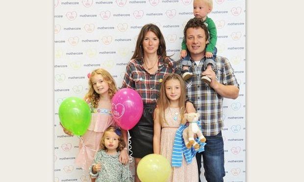 Η γυναίκα του Jamie Oliver προτείνει να έχουμε μεγαλύτερη έμπνευση στα ονόματα που δίνουμε στα παιδιά μας!