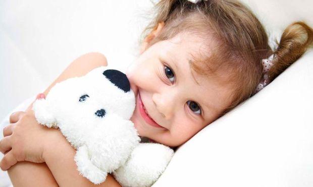Τι πρέπει να τρώει το παιδί μου πριν πάει για ύπνο το βράδυ;