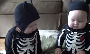 Βίντεο: Δίδυμα ντυμένα... σκελετοί!