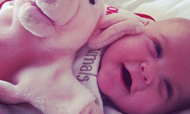 Η Peaches Geldof μοιράζεται τις πιο χαρούμενες φωτογραφίες του γιου της
