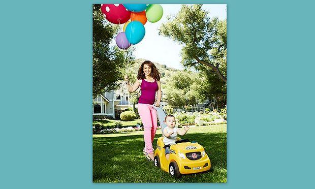 Alysa Milano: Πώς η γέννηση του γιου της την ώθησε σε φιλανθρωπικές ενέργειες