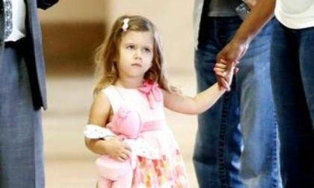 Lucia Gibson: Είναι η κόρη του Mel η νέα Suri;