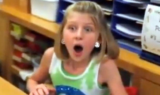 Βίντεο: Γιατί τρομάζει ξαφνικά αυτό το κοριτσάκι;