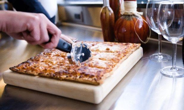 Εύκολη ζύμη για πίτσα-εξπρές!