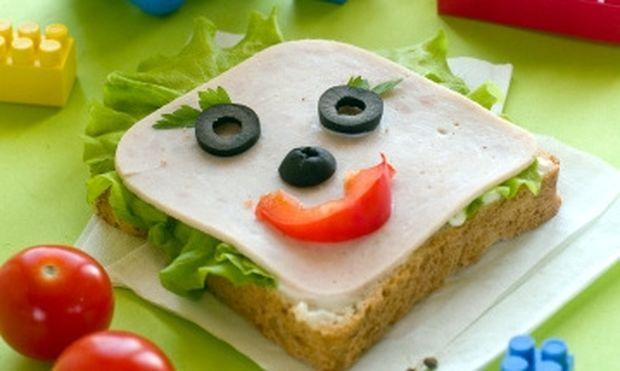 Αφήστε τα παιδιά σας να «παίξουν» με το σνακ τους!