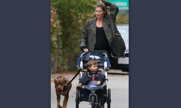 Gisele Bundchen: Βόλτα με το γιο της!
