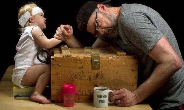 Δείτε τον «καλύτερο» μπαμπά του κόσμου!