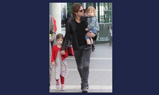 Keith Urban: Ταξιδεύοντας με τις κόρες του