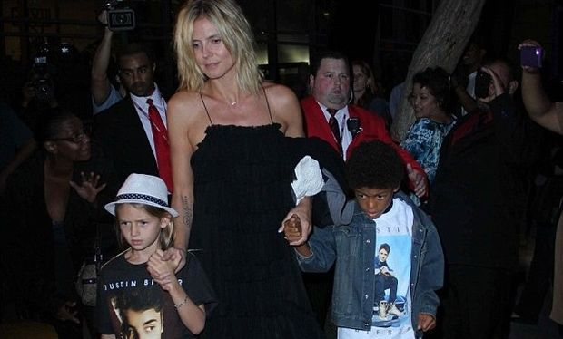 Heidi Klum: Με τα παιδιά της και τον Martin Kristen στη συναυλία του Justin Bieber! (video)