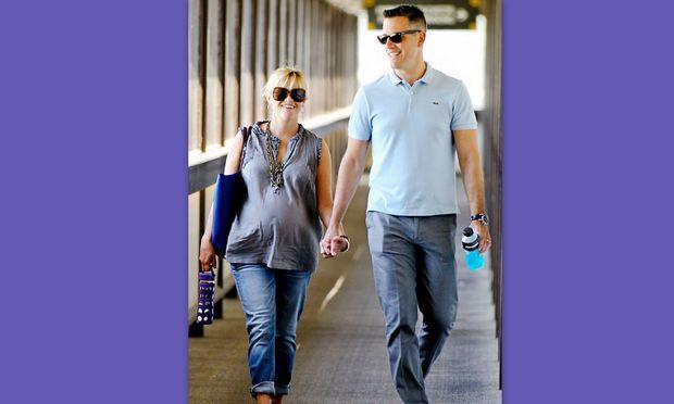 Οι πρώτες μέρες της Reese Witherspoon με το νέο της μωρό!
