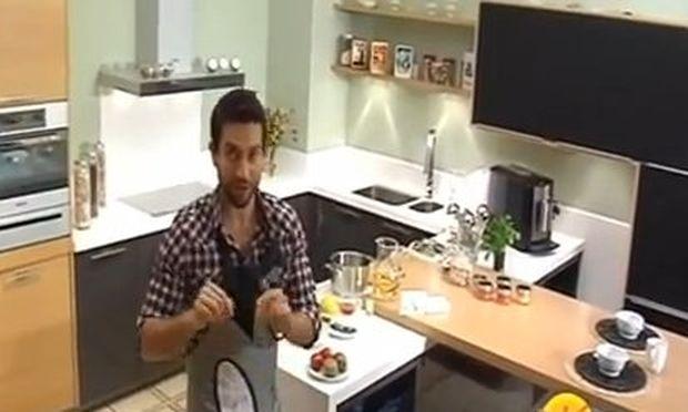 Τέλειο επιδόρπιο με γιαούρτι και φραγκόσυκα από τα χεράκια του Νικόλα!