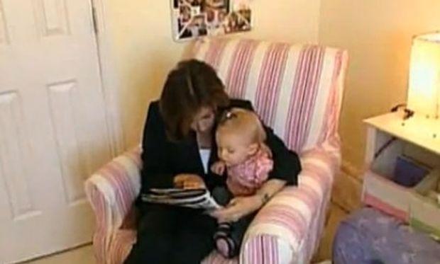 Απίστευτο βίντεο: Είναι 17 μηνών κι όμως ξέρει να διαβάζει!