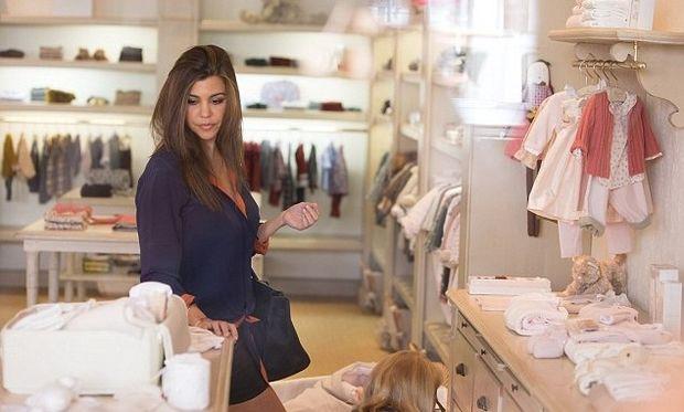 Η Kourtney Kardashian ψωνίζει για την Penelope