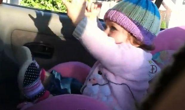 Βίντεο: Η Βιβιάν χορεύει με… τρέλα hip hop τραγούδι!