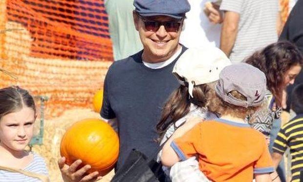 Ο Billy Crystal με τα εγγόνια του ετοιμάζεται για το Halloween