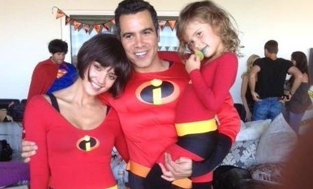 Η Jessica Alba και η οικογένεια της ντύθηκαν «Απίθανοι»