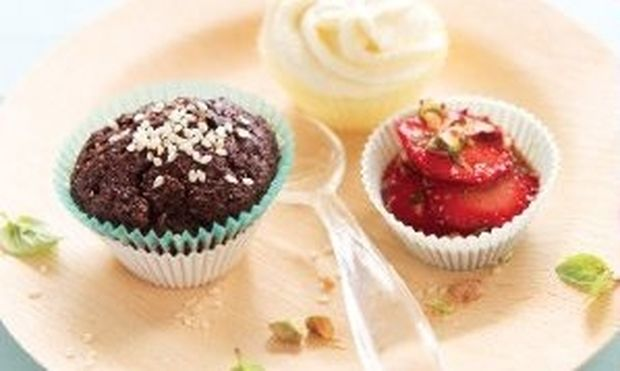 Cupcakes με σοκολάτα και σουσάμι