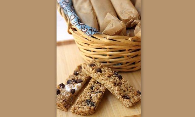 Mπάρες δημητριακών με αποξηραμένα σύκα από τον Νικόλα Σακελλαρίου