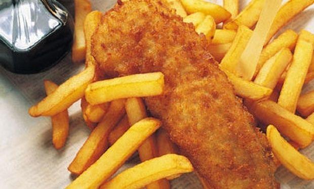 Μμμ… ψαράκι τραγανό με πατάτες