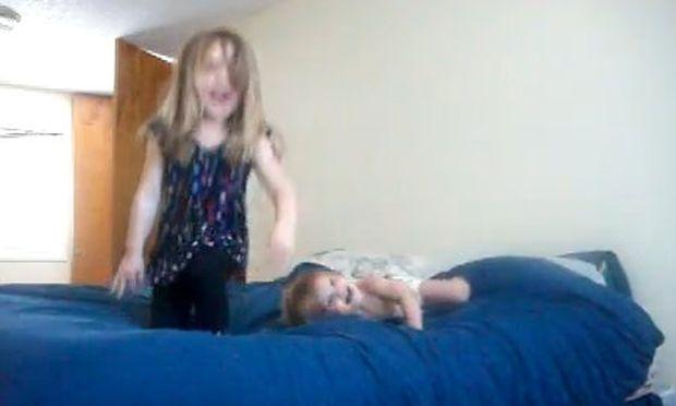 Βίντεο: «Ροκάρουν» πάνω στο κρεβάτι!