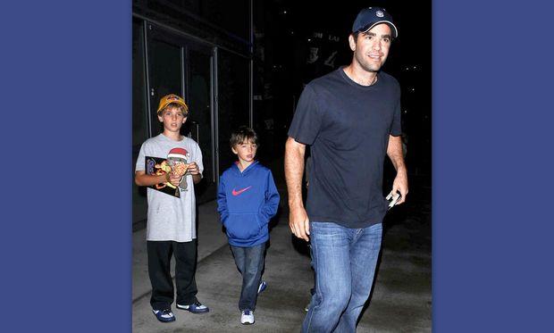 Pete Sampras: Με τους γιους του στον αγώνα των Lakers
