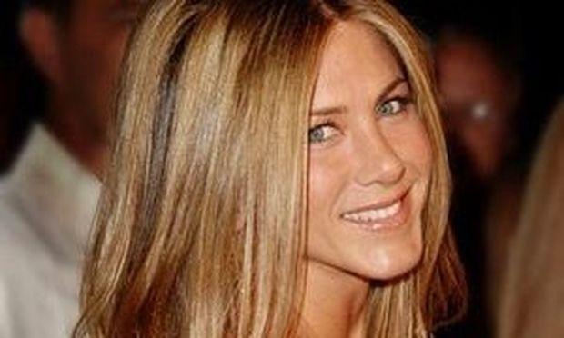 Jennifer Aniston: Διαψεύδει τις φήμες περί εγκυμοσύνης!