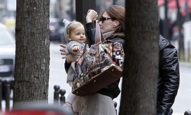 Σας παρουσιάζουμε τη νεότερη δεσποινίδα Sarkozy