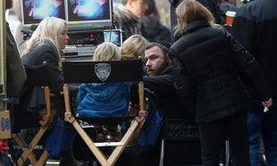 Naomi Watts: Στα πλατό της ταινίας του Liev Schreiber με το γιο της
