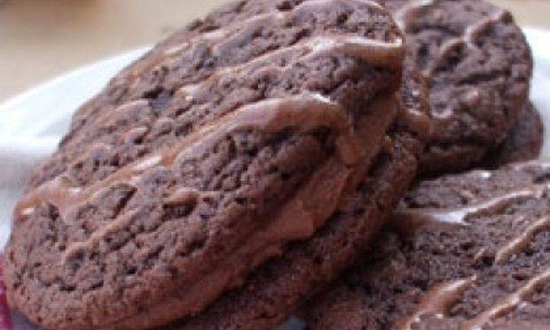 Σοκολατένια μπισκότα με γέμιση!