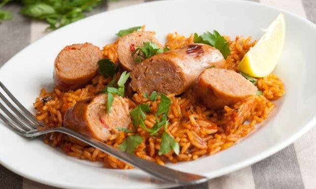 Νόστιμο ρύζι φούρνου με λουκάνικα!