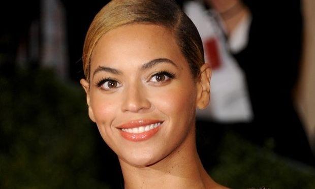Beyonce: «Δεν αισθανόμουν όμορφη κατά τη διάρκεια του τοκετού»