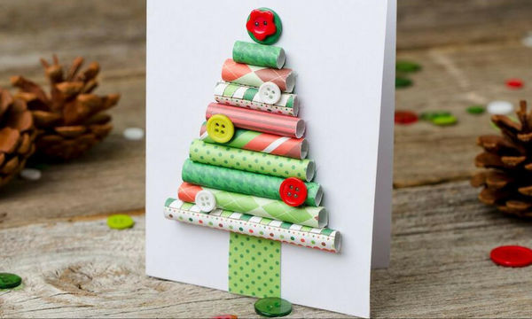 Πώς να φτιάξετε χριστουγεννιάτικο δέντρο από χαρτί περιτυλίγματος