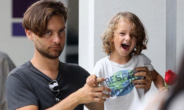 Ο Tobey Maguire και ο μικρός του… Spiderman