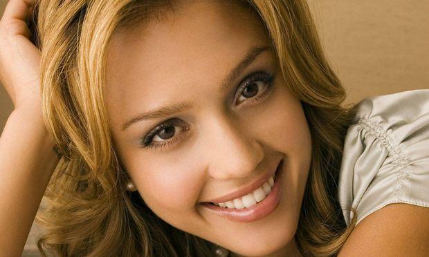 Jessica Alba: Περιμένει και πάλι τον πελαργό;