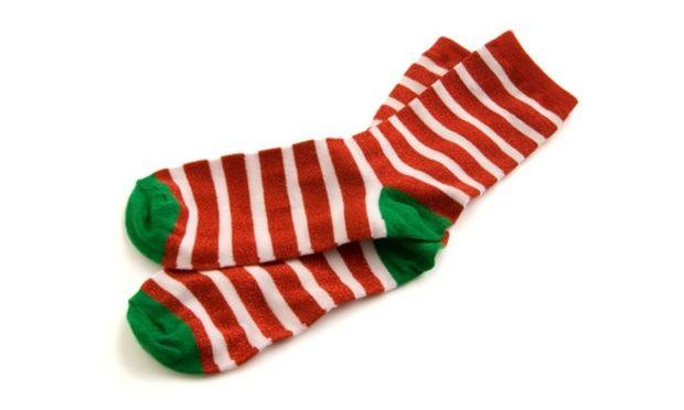 Χριστουγεννιάτικες συσκευασίες δώρων από… κάλτσες!