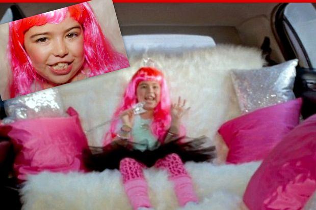 Είναι μόλις οκτώ χρονών και μεταμφιέζεται για να πρωταγωνιστήσει στο clip της Nicki Minaj