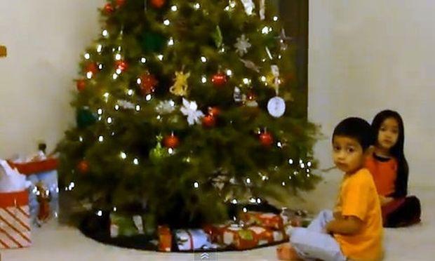 Και άλλα άθλια δώρα γονιών στα παιδιά τους για τα Χριστούγεννα, μόνο που είναι… ευτυχισμένα!