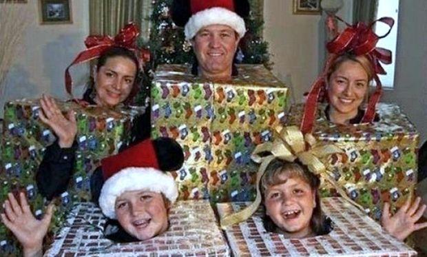 Οι πιο απίθανες οικογενειακές φωτογραφίες για τα Χριστούγεννα!