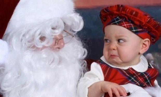 Όταν τα παιδιά τρομάζουν βλέποντας τον… Άγιο Βασίλη, οι καλύτερες φωτογραφίες!