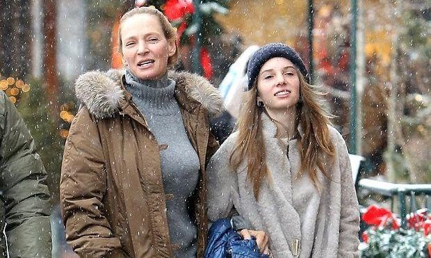 Uma Thurman: Για χριστουγεννιάτικες αγορές με την κόρη της που είναι φτυστή η ηθοποιός!