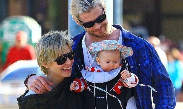 Chris Hemsworth: Τρυφερός μπαμπάς και σύζυγος